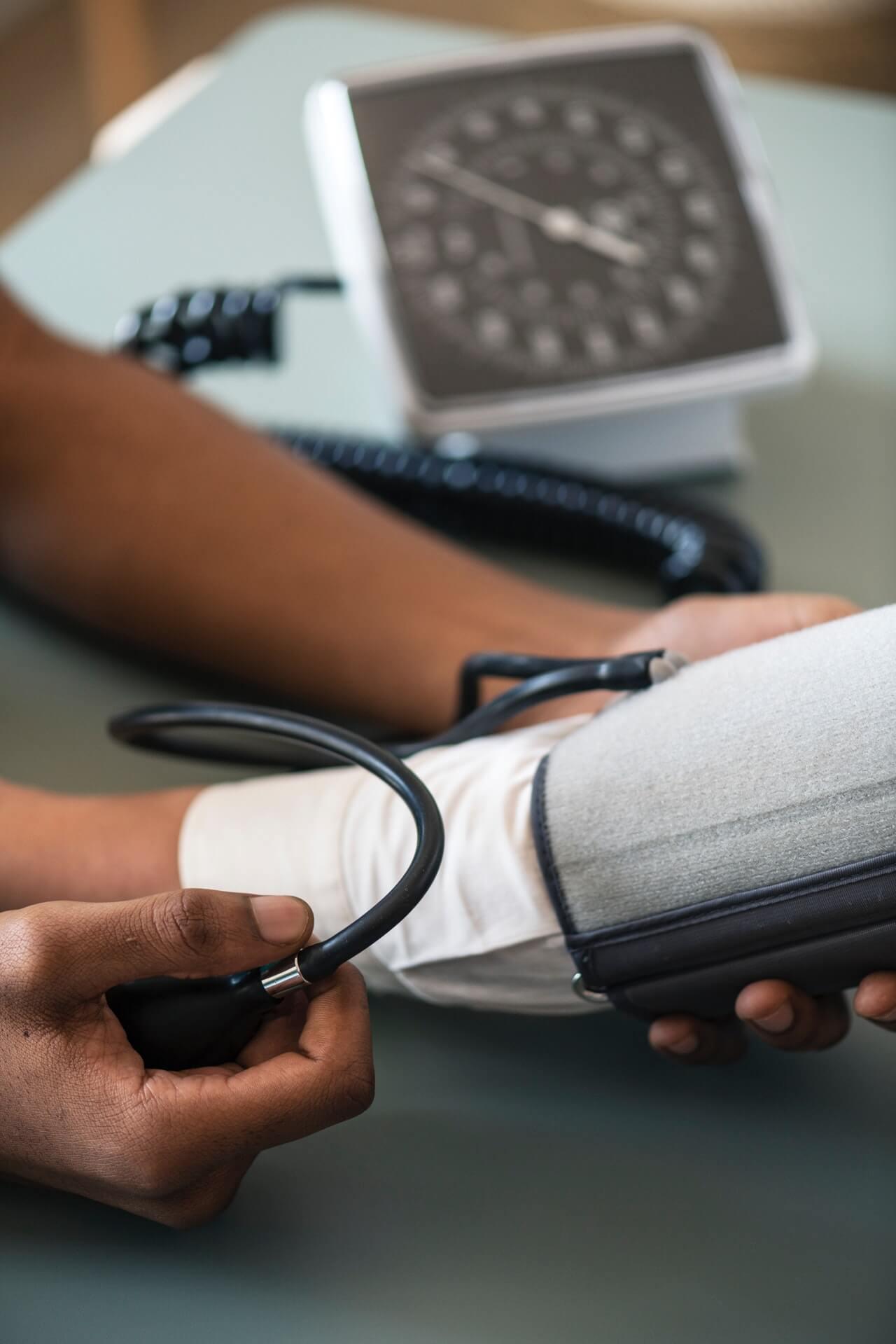 arm-blood-pressure-bp-948889